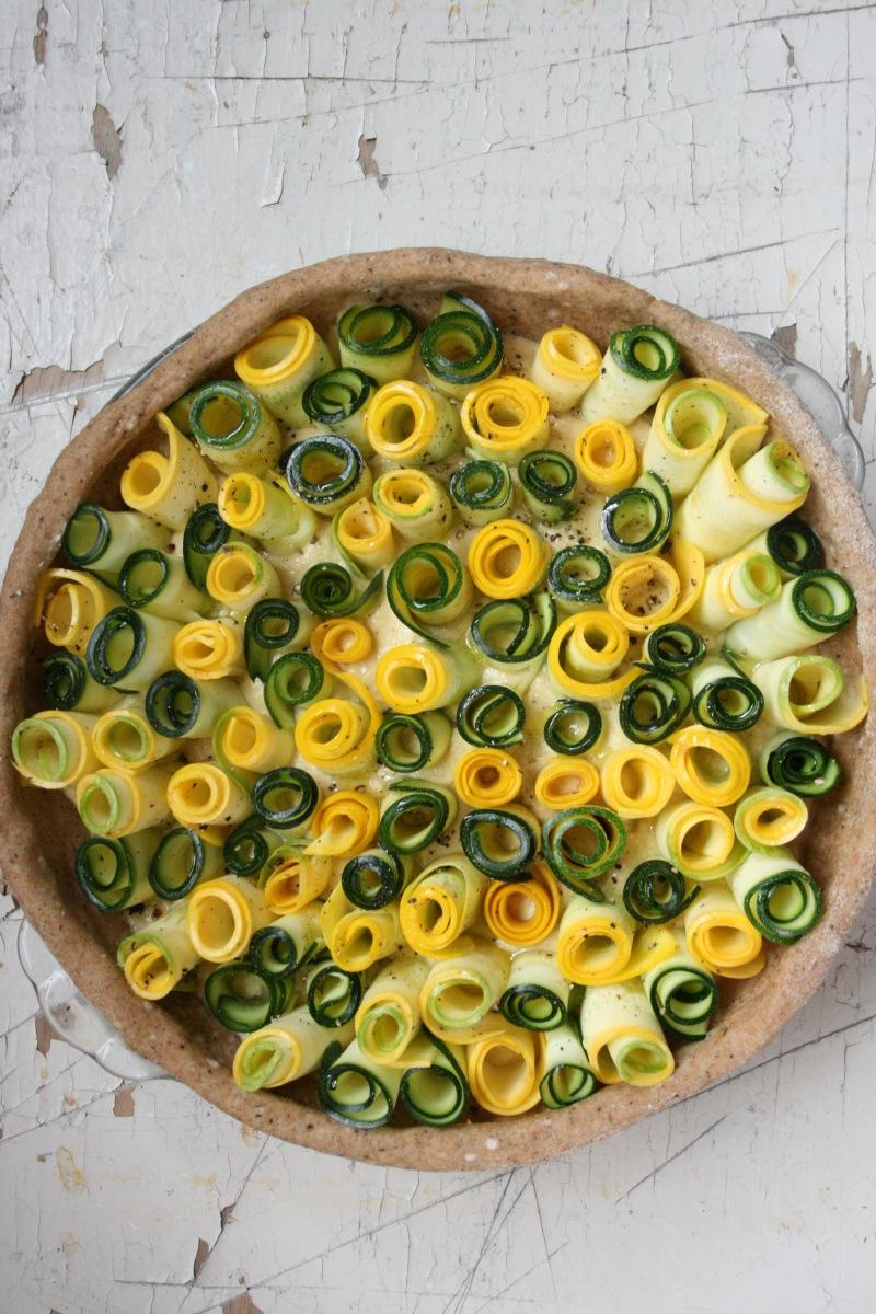 La croûte+ le sauté + la sauce + spirales de courgettes