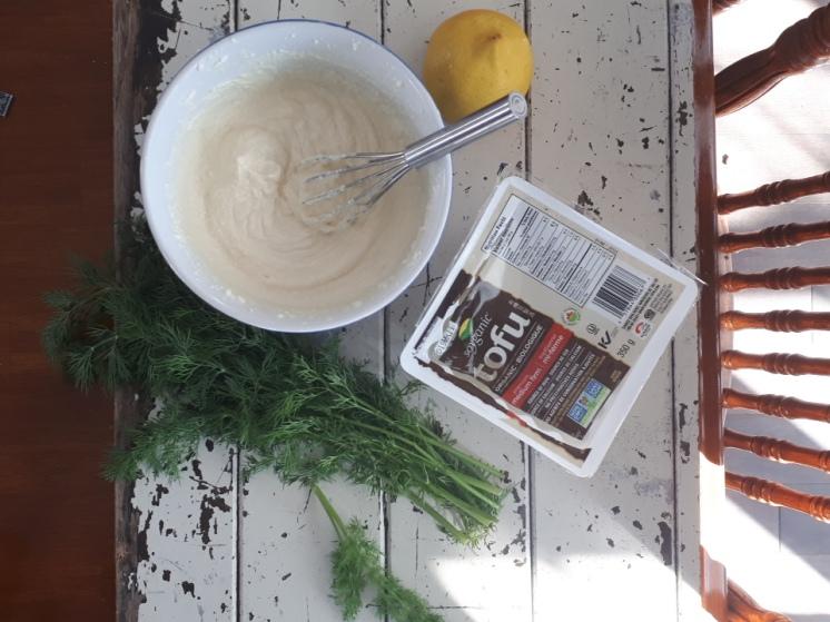 Crème sure avec le tofu soyeux mi-ferme
